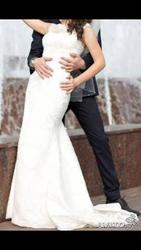 Нежное кремовое свадебное платье
