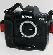 Продаю профессиональный пленочный фотоаппарат Nikon F90X с MB10